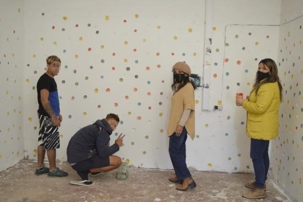directoras-pintando-con-jovenesD6706273-BC9E-71DE-D376-B5E454D5AF40.jpg